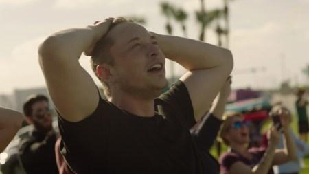 «Чёрт побери, эта штука взлетела»: Реакция Илона Маска во время запуска Falcon Heavy [Видео]