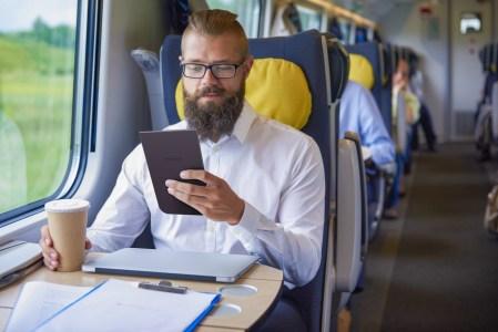 PocketBook представила ридер PocketBook InkPad 3 с сенсорным 7,8-дюймовым экраном E Ink Carta и «умной» подсветкой SMARTlight