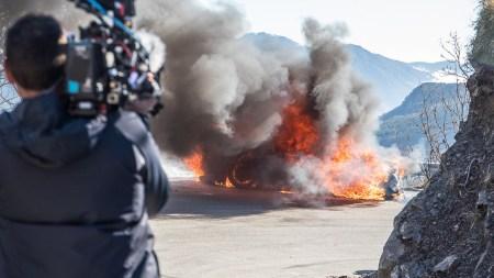 На съемках Top Gear ведущие еле выбрались из горящего суперкара Alpine A110. Очень похожий случай полгода назад прозошел с ведущим The Grand Tour