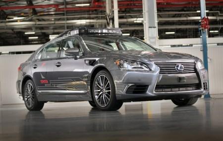 Toyota основала новую компанию TRI-AD по разработке ПО для автономных автомобилей. В ней будет работать 1000 специалистов, а суммарные инвестиции составят $2,83 млрд