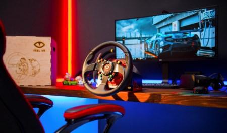 Украинский стартап Feel VR запустил на Kickstarter кампанию по сбору средств на игровой руль и педали, собрав $230 тыс. за первые сутки