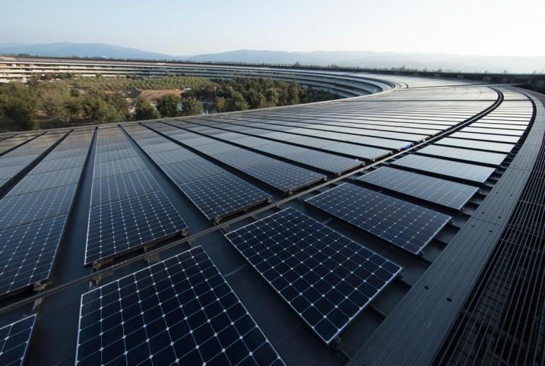 Apple тоже полностью перешла на возобновляемые источники энергии