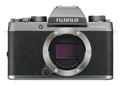 Fujifilm представила беззеркальную камеру X-T100 стоимостью $600