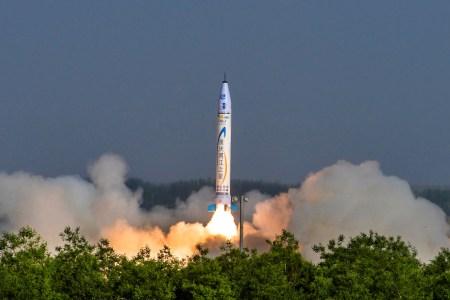 «Китайская SpaceX»: OneSpace Technologies провела первый тестовый запуск легкой ракеты-носителя OS-X