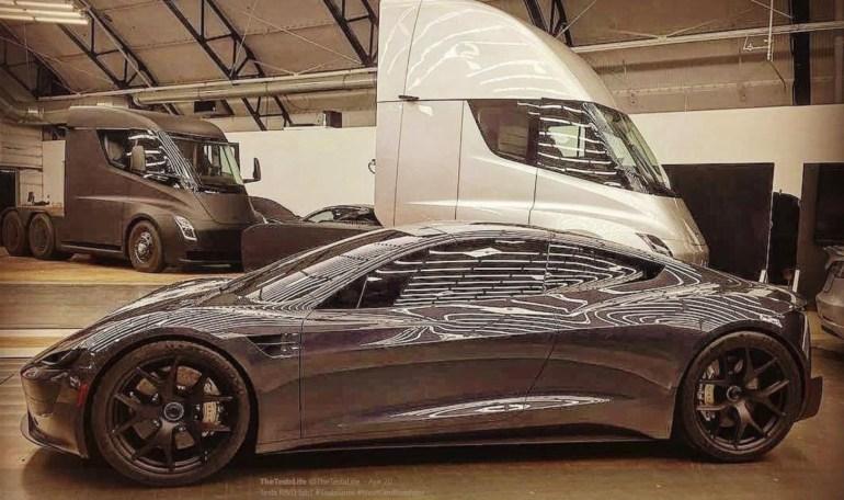 Илон Маск: Судя по реальным тестам, электрогрузовик Tesla Semi получит запас хода не 500, а 600 миль за те же деньги
