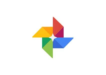 Google Photos скоро научится раскрашивать старые фотографии и конвертировать документы в PDF