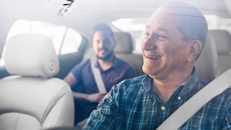 С сегодняшнего дня Uber будет автоматически отключать на 6 часов водителей, которые провели в активном режиме более 12 часов