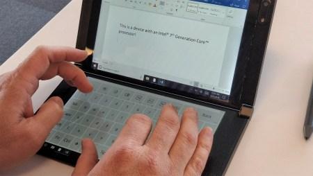 Intel показала концепты компьютерных устройств с двумя дисплеями