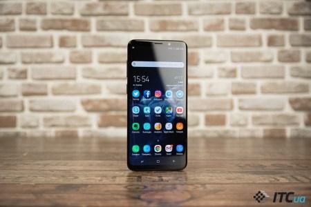 Samsung впервые за долгое время зафиксировала падение выручки и чистой прибыли