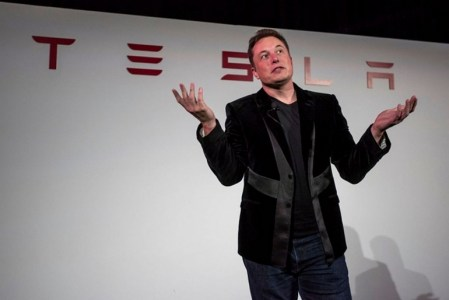 «7000 машин, около 4 часов»: Глава Ford EMEA подтрунивает над Илоном Маском