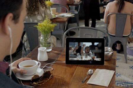 Netflix внедрил функцию Smart Downloads, которая автоматически удаляет просмотренные и загружает свежие эпизоды сериалов