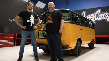 «Тачка на прокачку»: West Coast Customs создали PUBG Bus, чтобы «фанаты могли играть в PUBG, пока едут играть в PUBG»