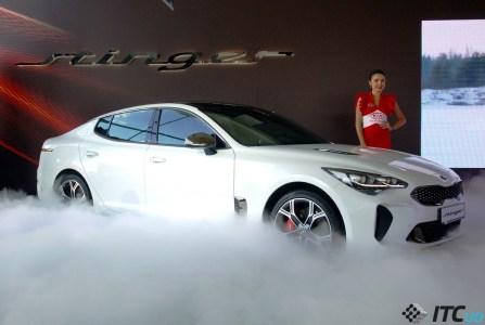 KIA Stinger в Украине: V6 на 370 «лошадей», полный привод, $67 тыс.