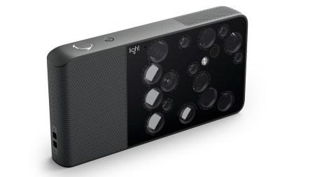 Специалисты Light создали прототипы смартфонов с камерами, включающими от пяти до девяти модулей
