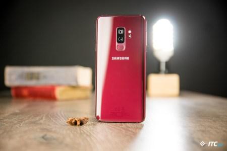 Как выглядит Samsung Galaxy S9+ в цвете Burgundy Red?