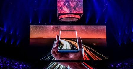 Samsung меняет стратегию и отдает приоритет середнячкам. Теперь они будут получать различные новшества раньше флагманов