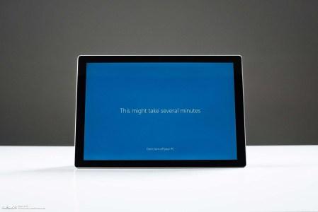 Новый планшет Microsoft Surface Pro 6 сохранит дизайн предшественника [Фотогалерея]