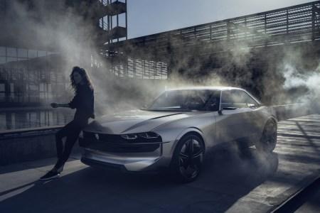 Peugeot e-Legend — концепт электромобиля в ретро-стиле с беспилотным режимом, полным приводом, мощностью 340 кВт, батареей 100 кВтч и запасом хода 600 км (WLTP)