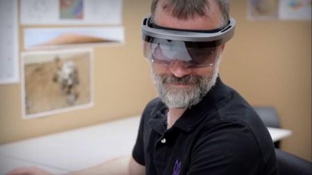 Прототип гарнитуры Microsoft HoloLens засветился на видео NASA