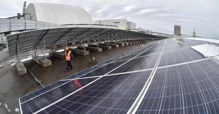 В Чернобыльской зоне отчуждения заработала пилотная солнечная электростанция