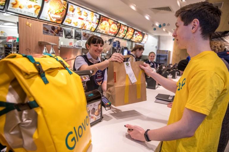McDonald's в партнерстве с Glovo запускает в Украине сервис быстрой доставки еды на дом McDelivery (пока только в Киеве)