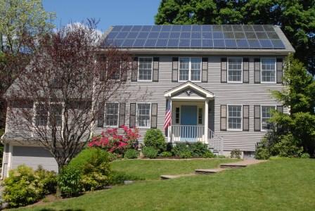 С 2020 года все сдающиеся в эксплуатацию дома в Калифорнии должны быть оснащены солнечными панелями