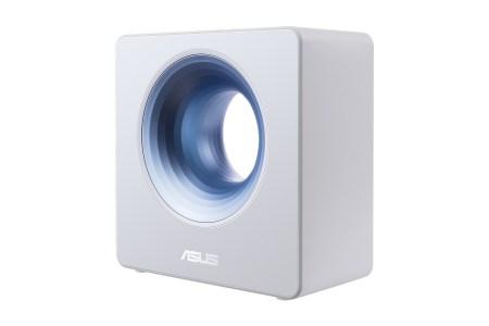 В Украине стартовали продажи стильного маршрутизатора ASUS Blue Cave класса AC2600 с четырьмя внутренними антеннами и поддержкой «умного дома»
