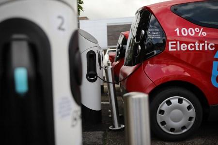 Исследование: 97% автомехаников не умеют и не хотят работать с электромобилями