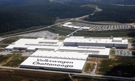 Volkswagen вложит $800 млн в модернизацию завода в Чаттануге (США), который с 2022 года будет выпускать электромобили на платформе MEB