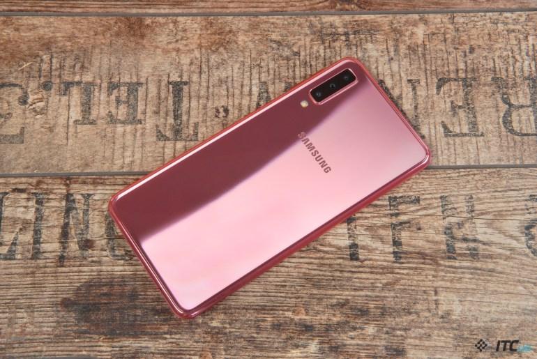 крышка Galaxy A7 2018