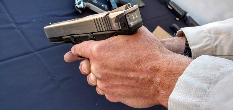 Американская компания Radetec представила умный пистолет