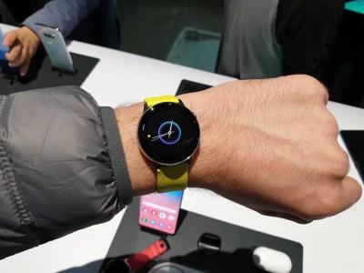 Galaxy Watch Active — первый взгляд на новые спортивные часы Samsung