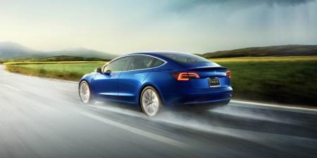 Tesla готовится к запуску программы лизинга для Model 3, что позволит увеличить спрос