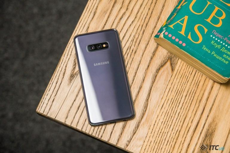 стекло Galaxy S10e