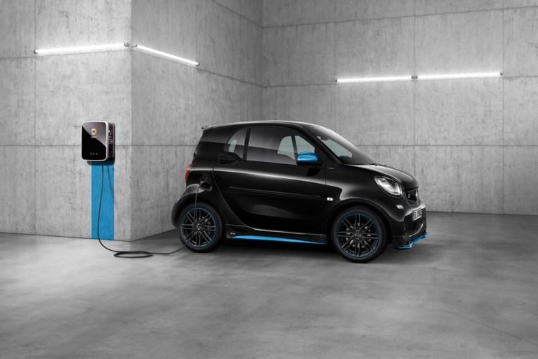 Daimler и Geely создали совместное предприятие, которое будет разрабатывать и производить следующие поколения электромобилей Smart в Китае
