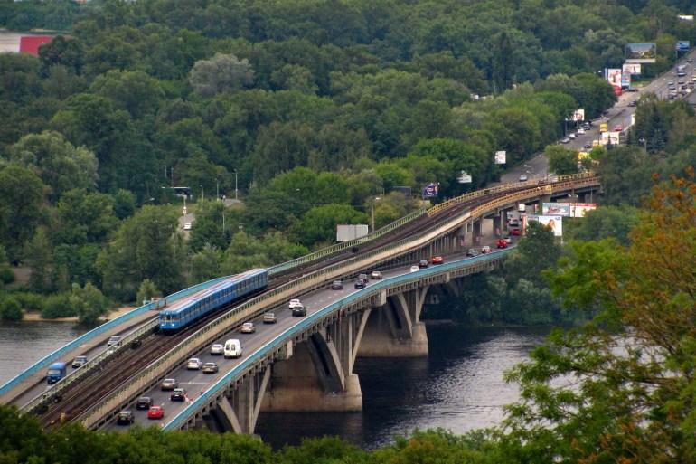 КГГА привлечет 180 млн евро кредитов от ЕБРР на закупку современных вагонов метро и трамваев, а также ремонт моста Метро и реконструкцию Контрактовой площади
