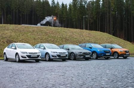 «Перезагрузка» Opel в Украине: первый тест-драйв Astra Sedan, Insignia, Crossland X