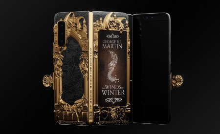 Caviar оформила гибкий смартфон Samsung Galaxy Fold в стиле «Игры престолов» и просит за него… свыше $8000!