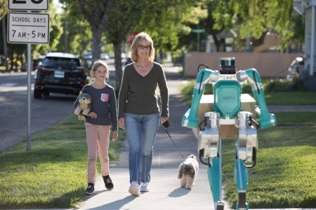 Ford и Agility Robotics разработали систему доставки до дверей заказчика на основе беспилотного минивэна и двуногого робота Digit