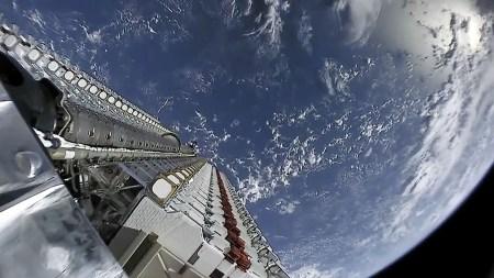 Астрономы считают интернет-спутники SpaceX Starlink угрозой для космических исследований