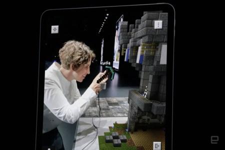 Разработчики провели живую демонстрацию новой AR-игры Minecraft Earth со сцены WWDC [видео]