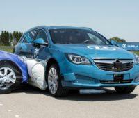 Компания ZF продемонстрировала внешние подушки безопасности, защищающие автомобиль и пассажиров от боковых ударов [видео] - ITC.ua