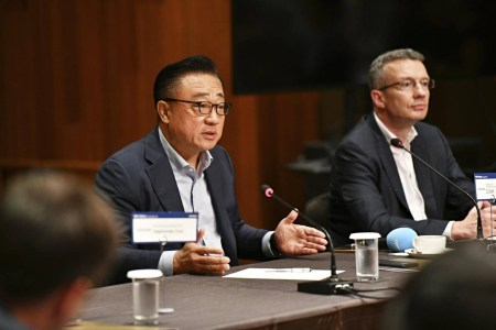 «Мне за это стыдно»: один из соруководителей Samsung признал, что компания поторопилась с выпуском складного смартфона Galaxy Fold