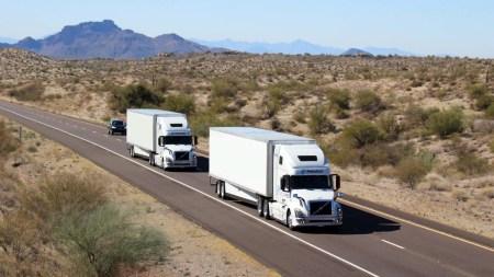 Разработчики Peloton сделают ведомый грузовик системы PlatoonPro автономным