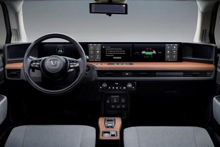 Электромобиль Honda e получит цифровую приборную панель из пяти экранов, умный голосовой ассистент и приложение-ключ [видео]
