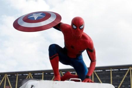 Sony и Disney не смогли договориться о разделении доходов от будущих фильмов про Человека-Паука. В итоге Кевин Файги покидает пост их продюсера, а Spider-Man вылетает из киновселенной Marvel