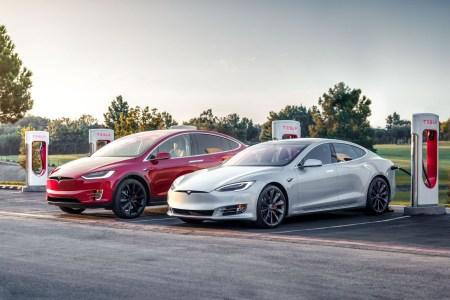 Tesla вернула бесплатную зарядку электромобилей на Supercharger для всех новых покупателей Model S и Model X