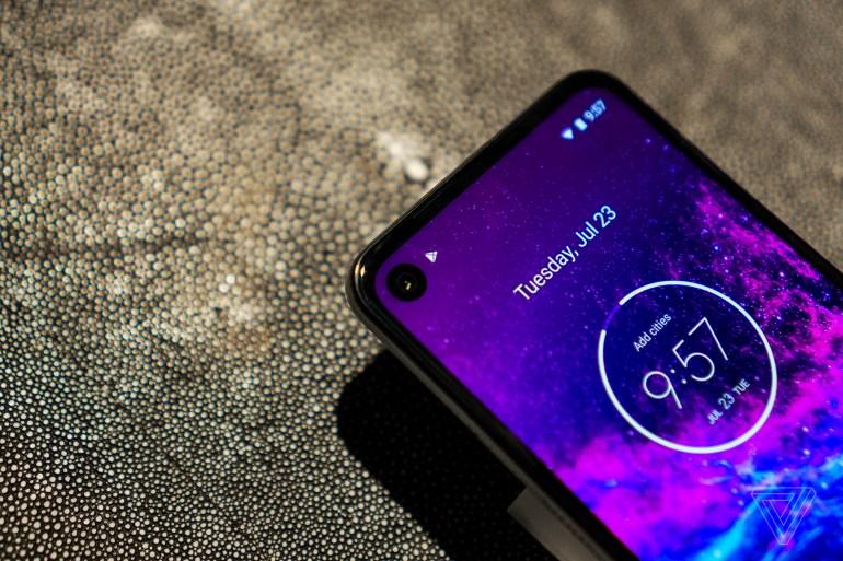 Анонсирован смартфон Motorola One Action с качеством записи видео «как у экшен-камер»