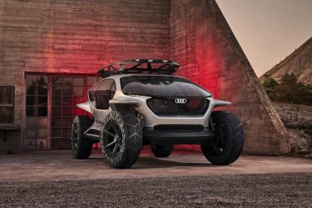 Audi AI:TRAIL quattro — концепт электрического внедорожника с четырьмя двигателями 320 кВт/1000 Нм, запасом хода 500 км и летающими дронами для подсветки бездорожья