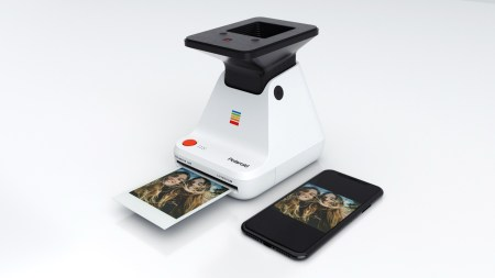 Polaroid Lab – принтер для печати фотографий со смартфона, требующий сфотографировать изображение с дисплея